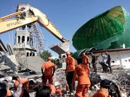 Rendang Sebanyak 1Ton Dari Warga Sumatera Barat Untuk Para Korban Gempa Di Lombok