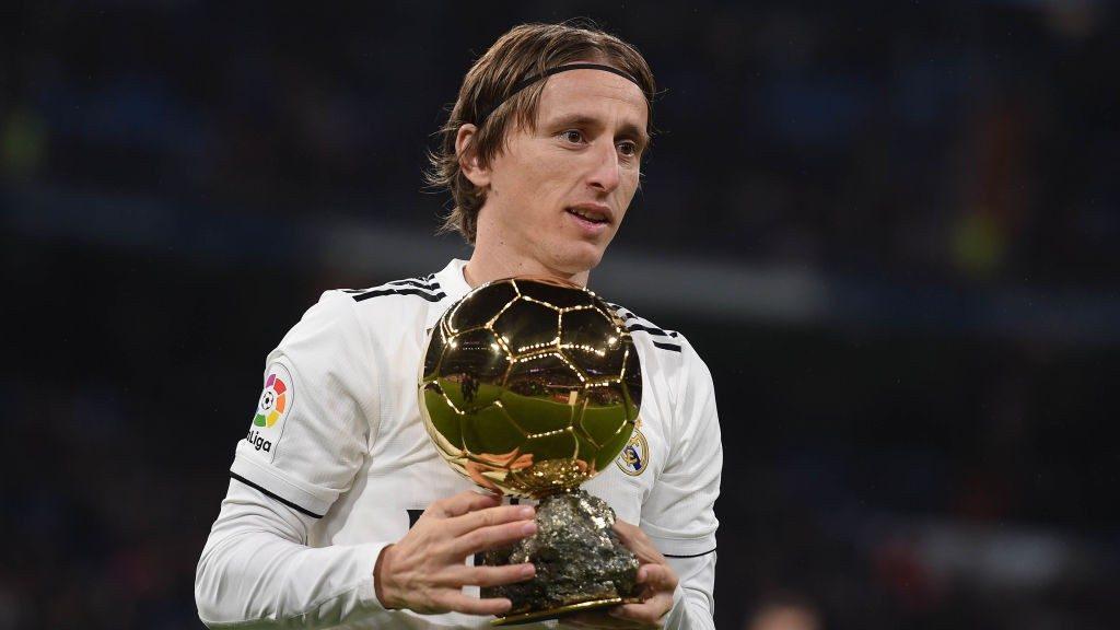 Luka Modric Menolak Kontrak Baru dari Real Madrid