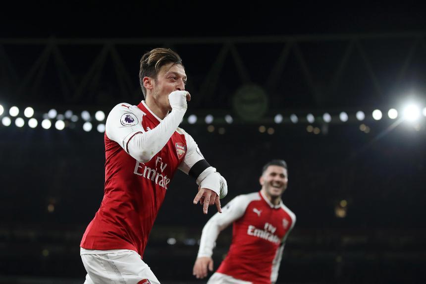 Legenda dari Arsenal Memprediksi Mesut Ozil Pindah pada Akhir Musim