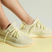 Dua Sneakers Adidas Ternyaman Didunia