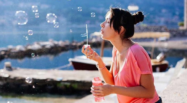Cara Ciptakan Kebahagiaan dengan Menghargai Diri Sendiri